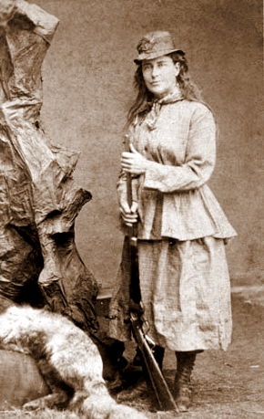Martha_Maxwell_in_the_field_CDV